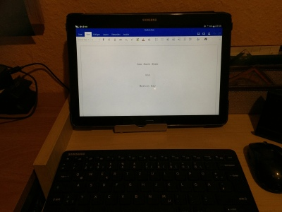 Samsung Galaxy Note 12.2 mit verbundener Samsung BT-Tastatur und Maus.